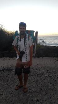 Kadin looking like a real tourist