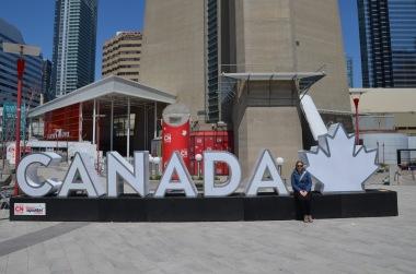 Gemma and the Canada sign outside the aquarium