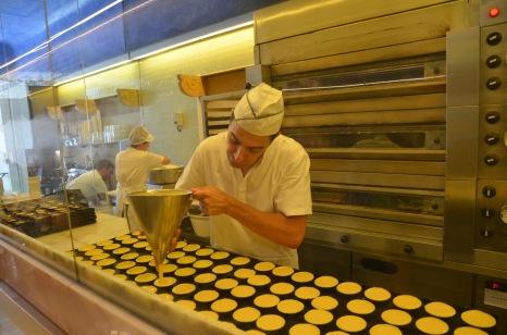Making the Pastel de Natas