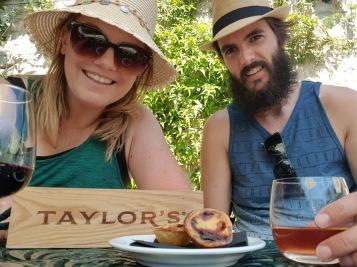 Taylor's Port / Natas Selfie