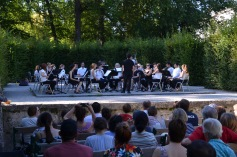 Free orchestra in the gardens