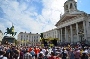 Crowds gathering