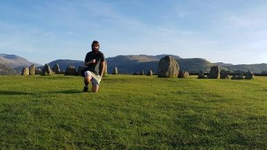 Kadin and the stones