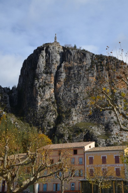 Castellane - church on the rock
