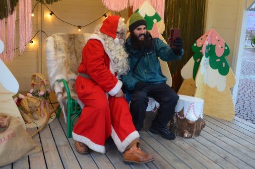 Kadin and Santa